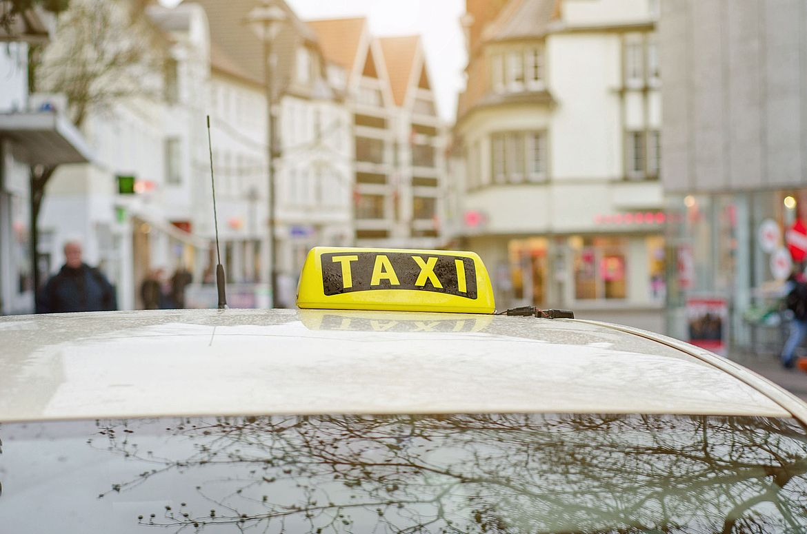 [Translate to EN:] Taxi in Hamburg